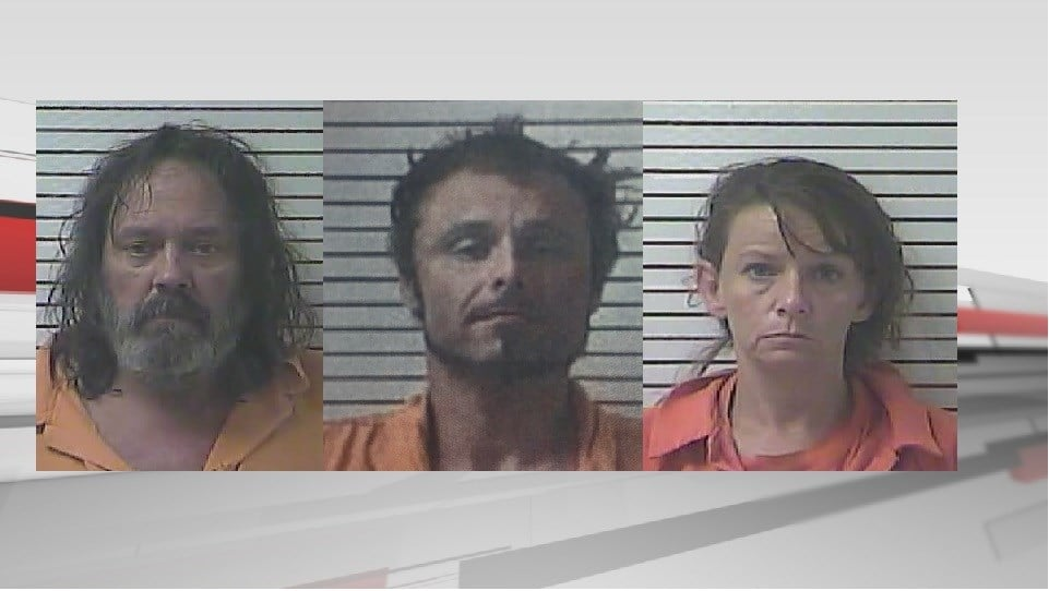 Three arrested for burglary at Leitchfield, Ky. funeral home